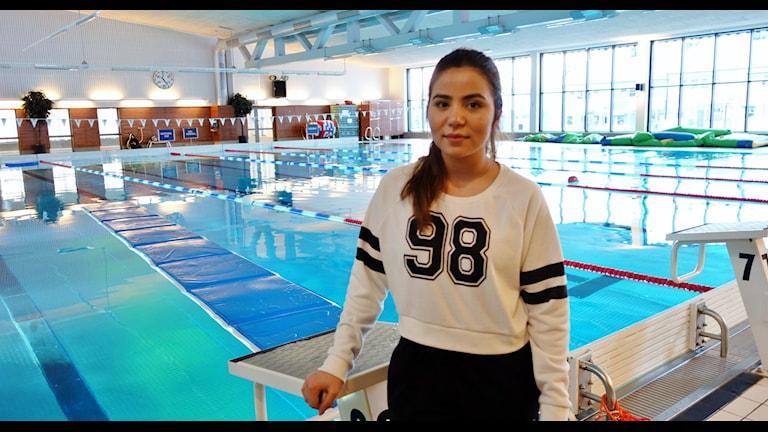 Nahida Rosiqul med rötterna i Afghanistan ska bli simlärare i Skellefteå. Foto: Magnus Bergner/Sveriges Radio