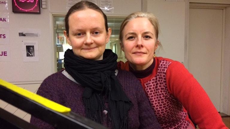 "Ulrika Schmauch och Elena Lindholm står bakom kampanjen ""Inte er kvinna"". Foto: Pia Diaz Bergner/Sveriges Radio"