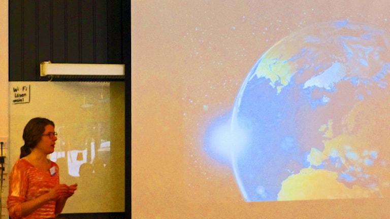 Elin Sjökvist visade hu jordens klimat påverkar Västerbottens län
