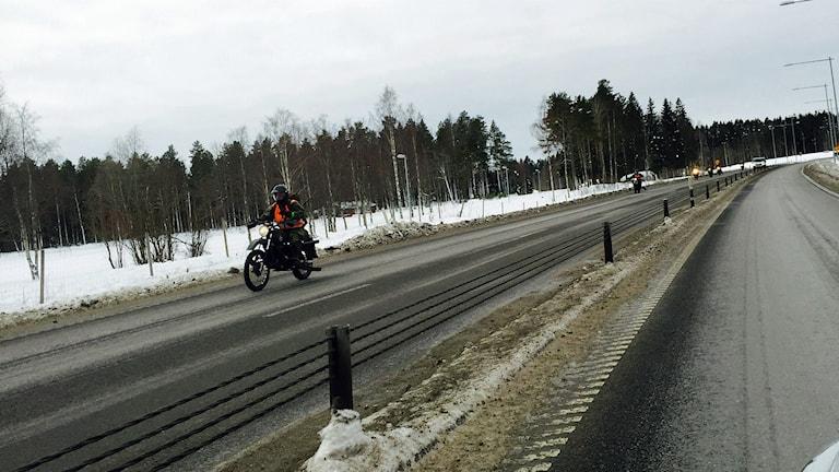 Kyligt att ta ut motorcykeln i mars.