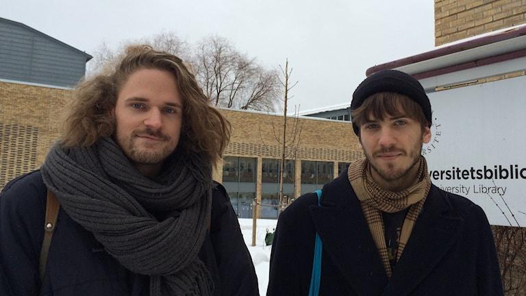 Anton Mattsson och Erik Forslöw, studenter på Umeå universitet. Foto: Lillemor Strömberg/Sveriges Radio.