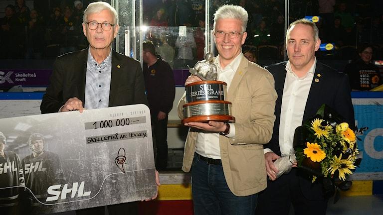 Pär Nordlund ordförande, PA Israelsson klubbchef och Lars Johansson General Manager