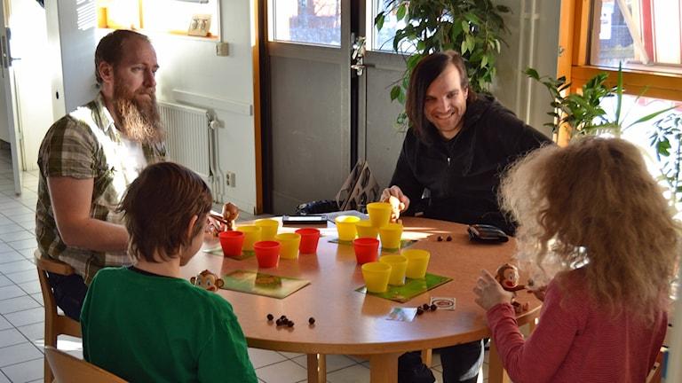 Joakim och Emrik Moritz, Oskar Lorentzi Wall och Freja Moritz. Foto: Charles Kaspersson.