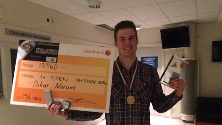 Oskar Norum från Umeå AK tog guld i Open-klassen under helgens SM i Skotercross.