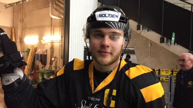Pontus Wikström lagkapten i Skellefteå AIKs juniorlag. Foto: Gerhard Stenlund/Sveriges Radio.