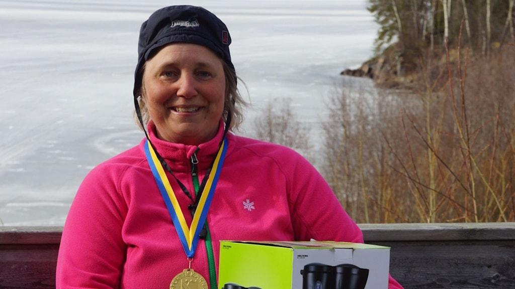 Anette Rimmevik som tog hem segern i Damseniorklassen med  3 456 gram. Foto Åke Runnman.
