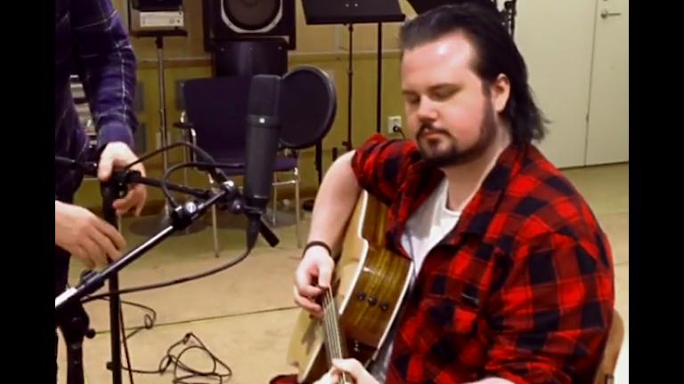 Ludvig Boman med gitarren
