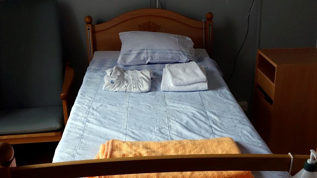 Tom säng på ett hem för sjuka