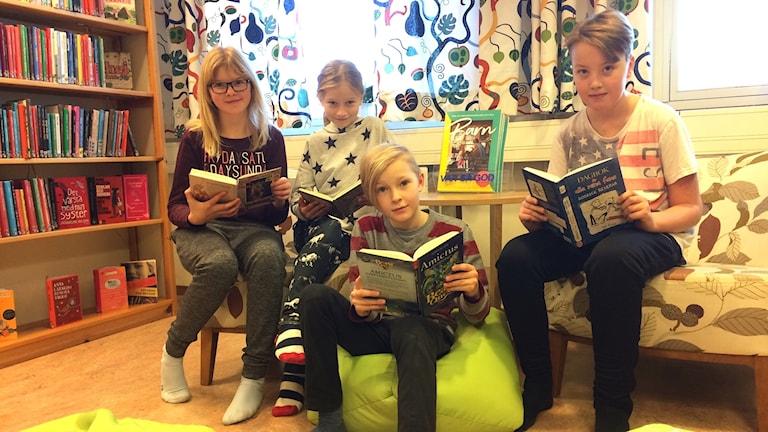 Naima Andersson, Lovis Eriksson, Alve Lestander och Albin Olovsson från klass 4 A på Vännäsby skola.