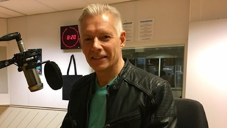 Anders Sellström i radiostudion