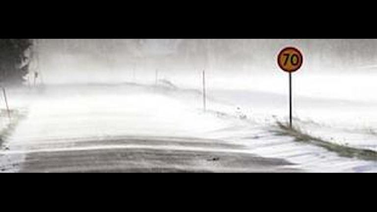 Snörök över landsväg. Arkivfoto: Scanpix.