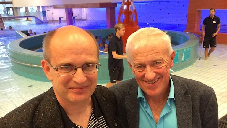 Ari Leinonen (S) ordförande i fritidsnämnden och Lennart Johansson (M) vice ordförande i samma nämnd.