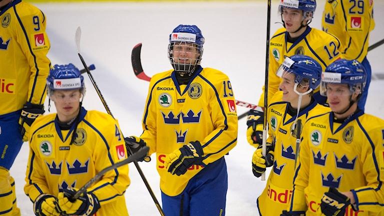 Juniorkronorna under träningsmatch mot Danmark