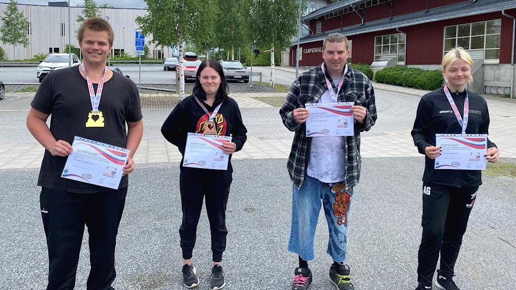 Jesper Eriksson, Tindra Forslund, Ante Hedlund och Angelica Grape, saknas på bilden gör Linda Andersson och Sam Burman.