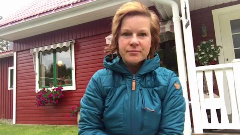 Ida Oderstål, Vilhelmina, framför sitt hus