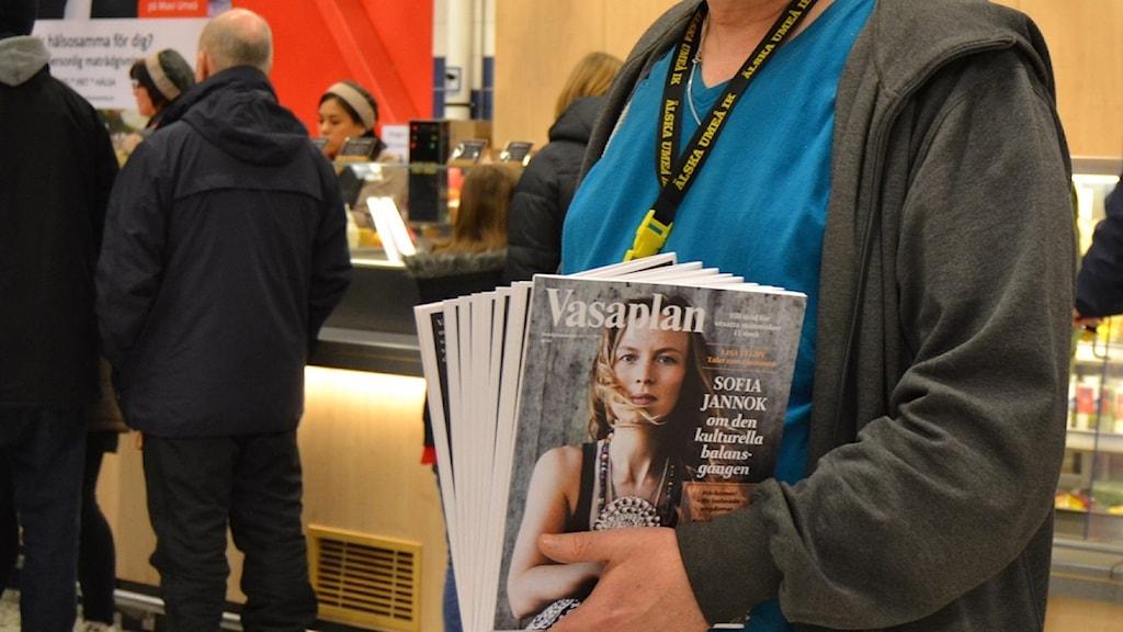 Willy Pettersson säljer Vasaplan. Foto Filippa Armstrong/SR.