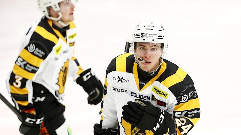 Skellefteås Andreas Wingerli gjorde 1-0 målet under torsdagens ishockeymatch i SHL mellan IK Oskarshamn och Skellefteå AIK.