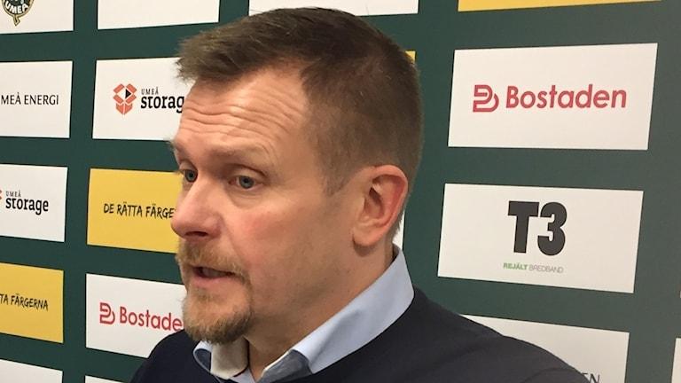 Joakim Fagervall, tränare i Björklöven efter åttonde raka hemmaförlusten