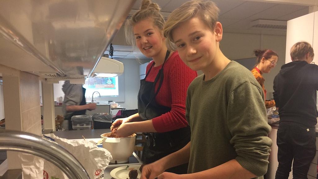 Kajsa Ellingsson Frölen och Hugo Ekdal går i 8 DE på Grubbeskolan i Umeå.