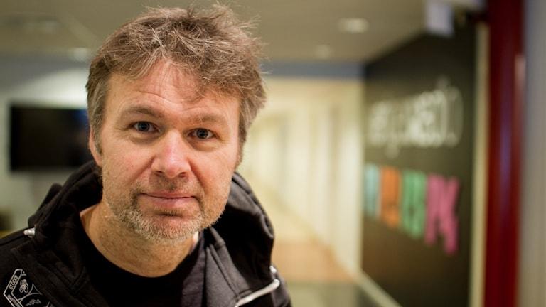 Stephan Stenmark smittskyddsläkare i radiohuset i Umeå