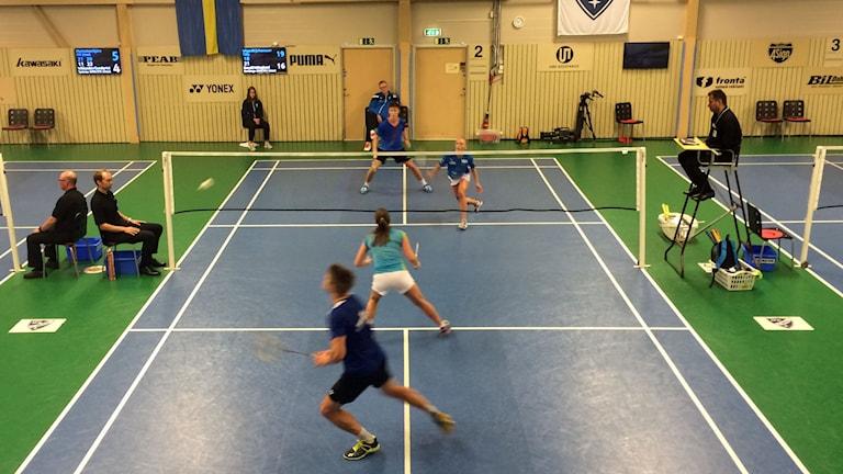 Badminton på flera planer