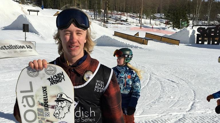 En tävlingssugen Gustaf Lundström, snowboardåkare från Piteå