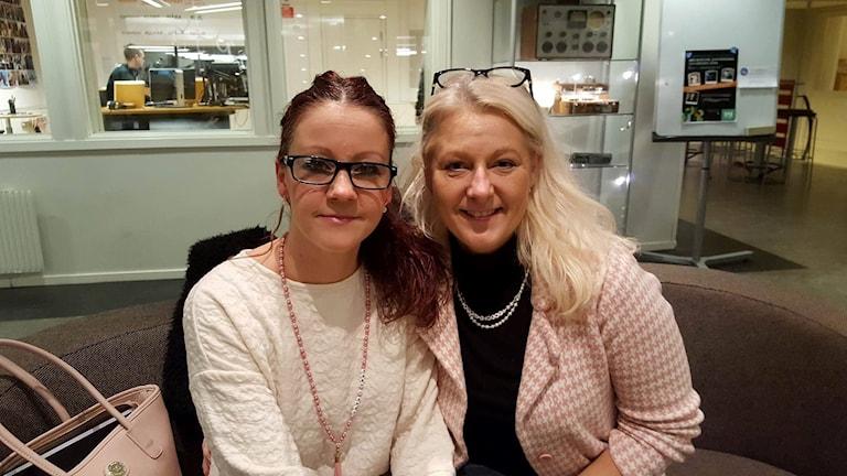 Jenny Eriksson och Lena Sandlin grundare av Föreningen handihandförkvinnofrid Foto: Madeline Harrati/SR
