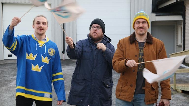 Tobias Dahlberg, Jon Eriksson och Max Lundberg brinner för vindeln Hockey.