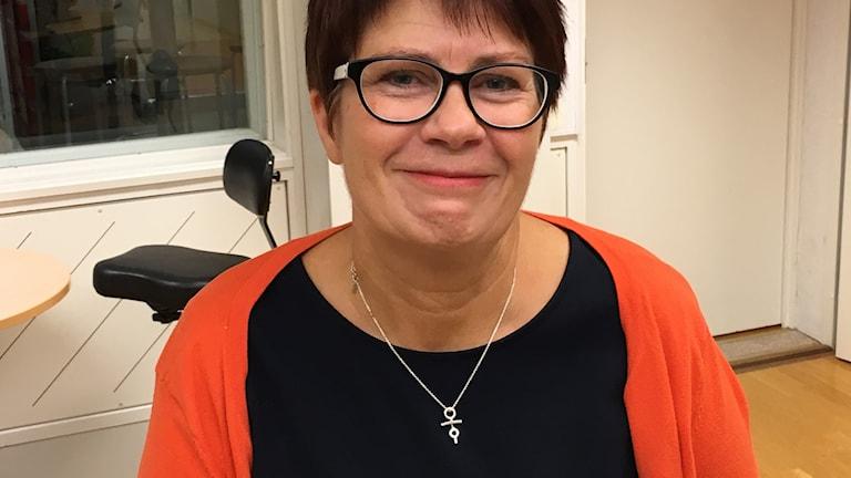 Bibliotikarien Maria Forssén i studion. Foto: Pia Diaz Bergner/Sveriges Radio.