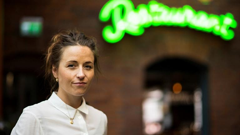 Cecilia Sandström, platschef på Gotthards krog i Umeå, vid restaurangen