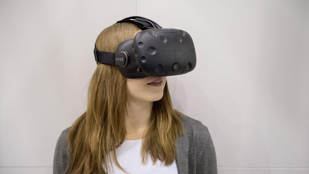 VR-glasögon.