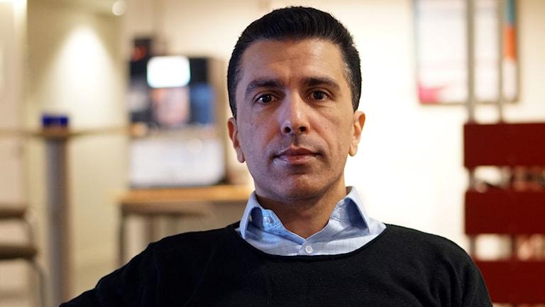 Omid Rezvani är ordförande i, och jobbar för, Spelberoendegruppen i Umeå