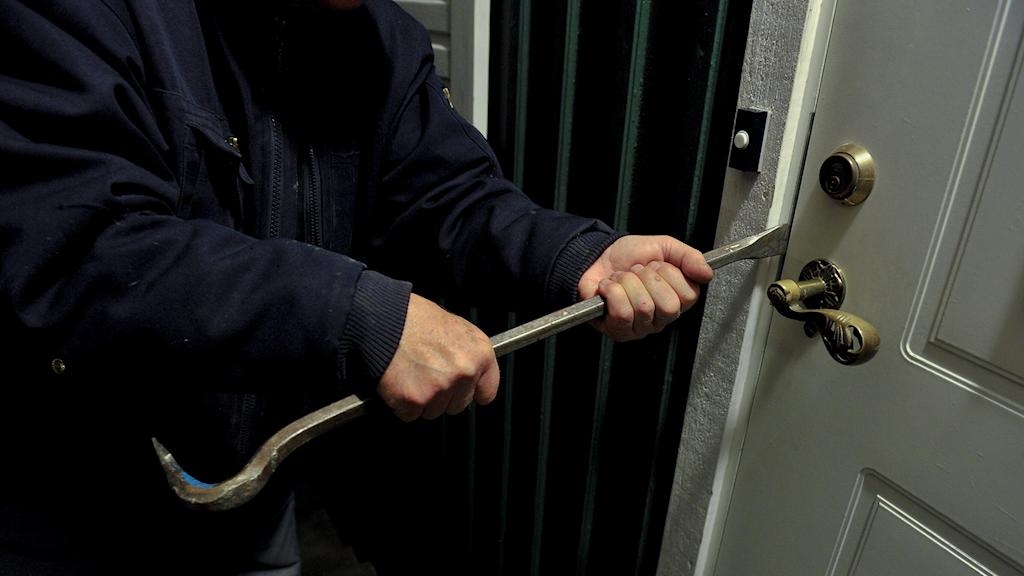 Inbrott i villa med hjälp av en kofot