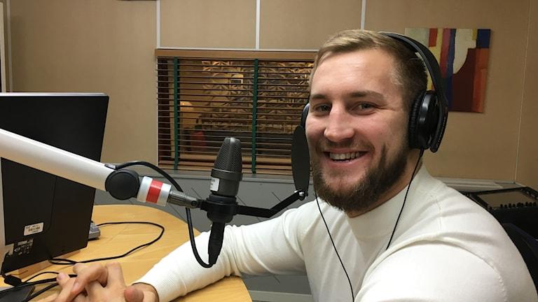 Otto Wallin i P4 Västernorrlands studio en morgon i november när han bjöd på frukost och vi snackade europatiteln i tungviktsboxning