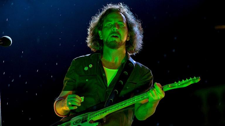 Eddie Vedder i Pearl Jam under en spelning i Philadelphia.