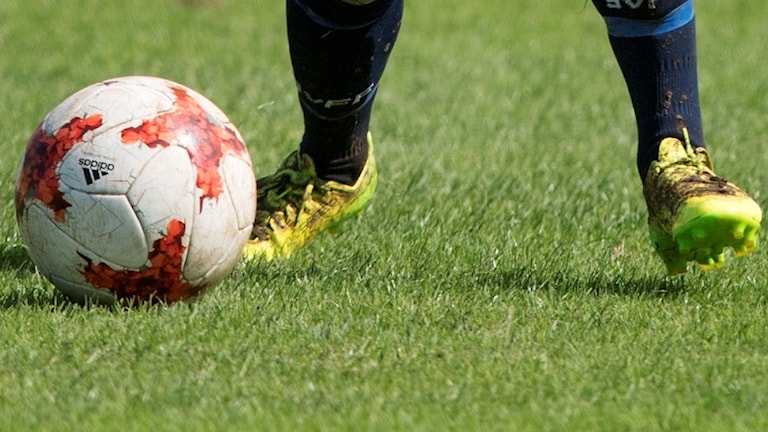 fotboll fötter damfotboll