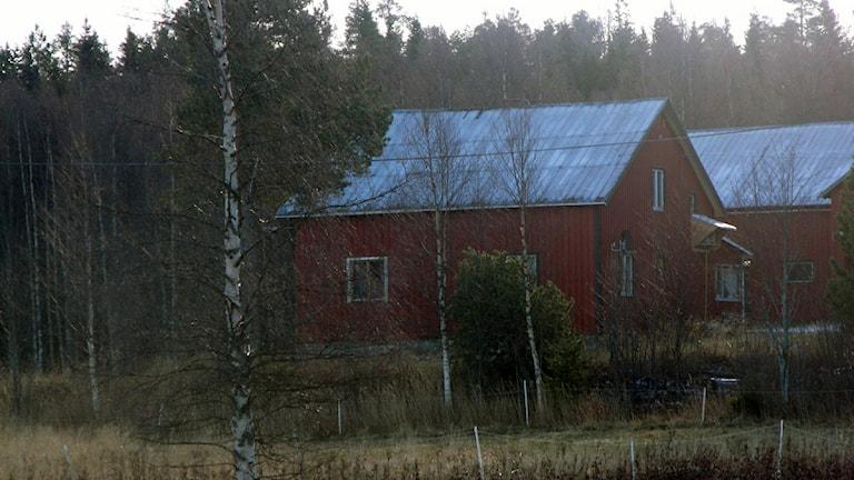 I det här huset mördades två personer i Brattås den 31 maj 2005. Foto: Ulla Öhman