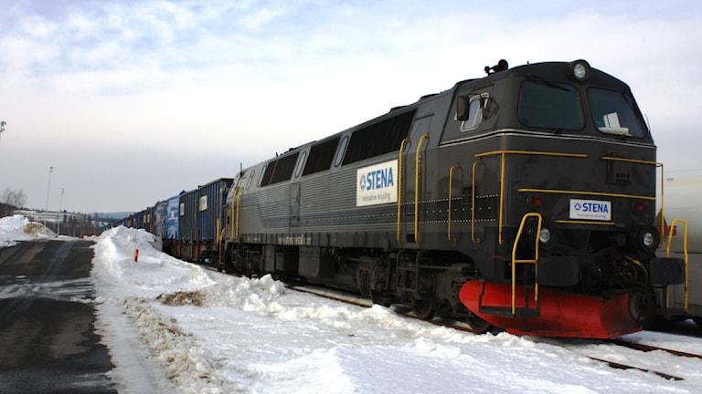 Godståg står vid terminalen i Örnsköldsvik.