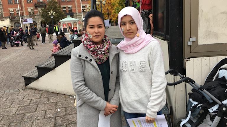 Wafam Hossein och Mah Naz är två av arrangörerna för demonstrationen.