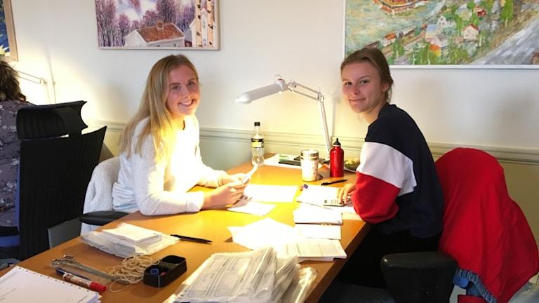 Josefin Otterström Petré och Elin Tjell. Foto Ulla Öhman