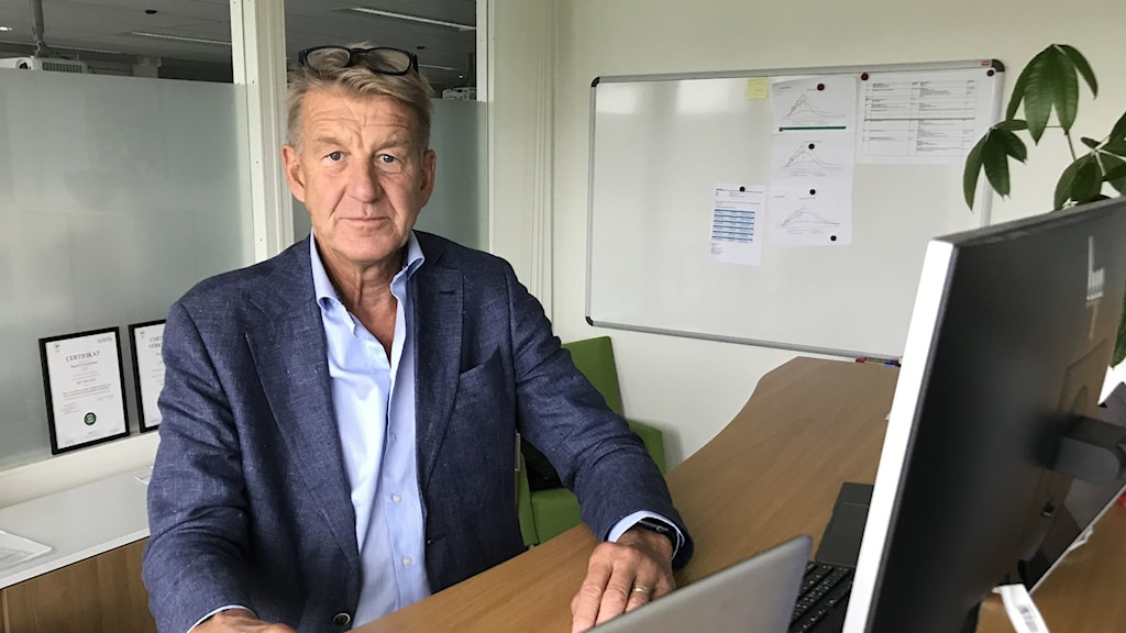 Anders Sylvan, regiondirektör, region Västernorrland på sitt kontor.