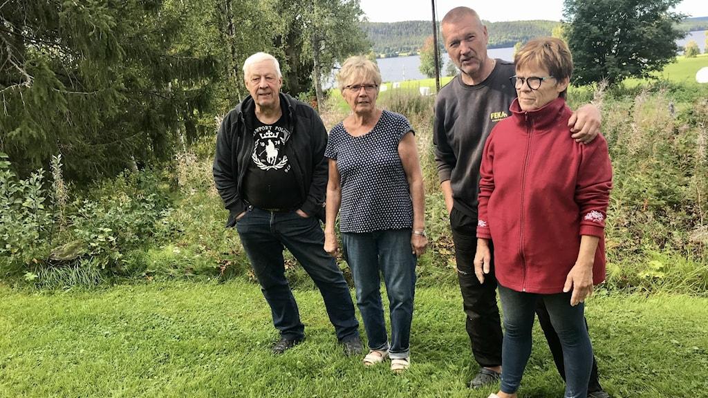 Sven-Olof och Eva-Lisa Jansson samt Mats och AnnKristin Jonsson vid Graningesjön