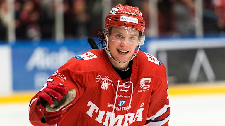 Jonathan Dahlén jublar efter ett 2-1 mål mot Malmö. Foto: Pär Olert/Bildbyrån