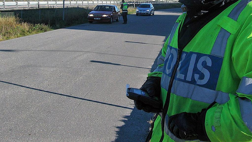 Polis vid en trafikkontroll. Foto: Christer Suneson /SR /Arkiv