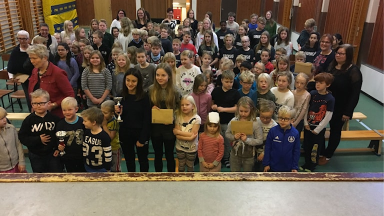 Eleverna på Sidensjöskolan som vunnit piggelinjakten i Ångermanland.