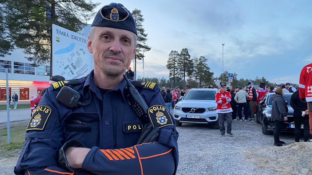 Henrik Blusi vid polisen.