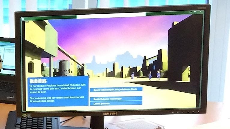 En dataskärm visar dataspelet. Foto: Lennart Sundwall/Sveriges Radio