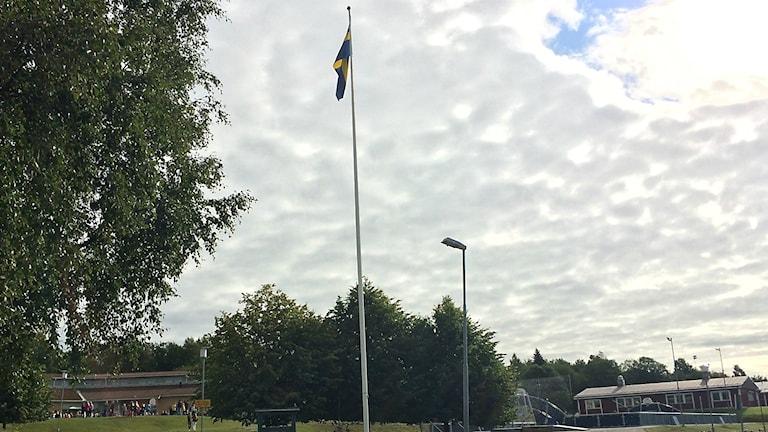 Flaggan i topp på skolårets första dag