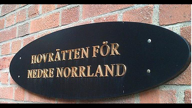 Skylt där det står Hovrätten nedre norrland
