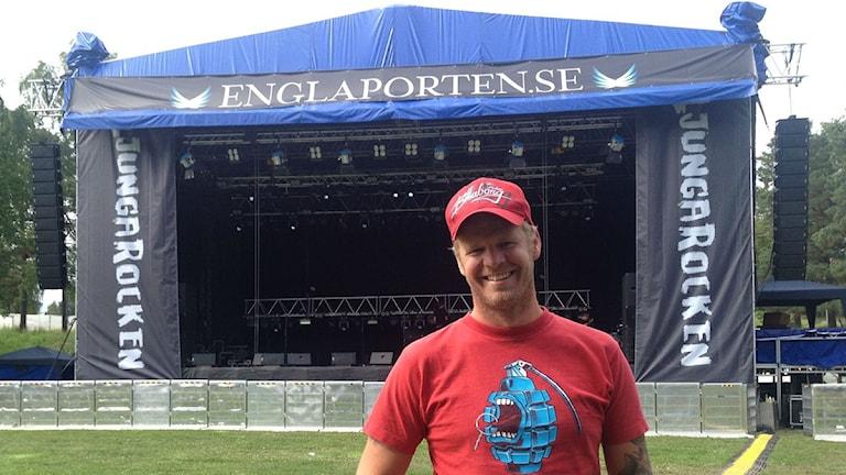 Takidas gitarrist Mattias Larsson som var med och startade Ljungarocken för två år sedan. Foto: Lasse Edfast/Sveriges Radio